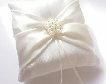 Wedding Ring Pillow - Ivory  Ring Pillows - Pillow with Pearls - Ring Bearer Pillow - Wedding Ceremony - Wedding Ring Cushions