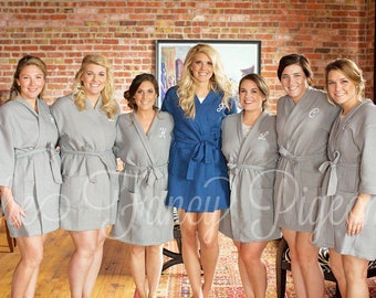 BRIDESMAID ROBES - Monogrammed Robe - Personalized Robe - Getting Ready Robe - Bridal Robes - Wedding Favors - Bride Robe - Wedding Robes