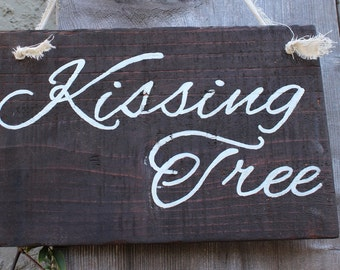 kissing tree wooden sign, beach wedding, outdoor wedding, woodland wedding, rustic wedding, boho wedding, wedding sign or prop