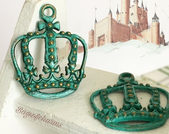 Handpainted Verdigris Patina Crown Charms (18047) - 34x27mm