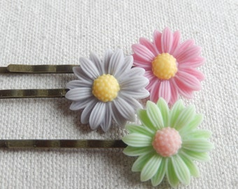 Flower bobby pins, hair accessories, shabby chic bobby pins, hair pins,Unique gifts for her,Christmas gift,Stocking stuffer