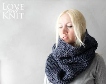 Sale Blue Chunky Cowl / Oversized Cowl / Cowl Scarf / Chunky Infinity Scarf / Infinity Scarf / Circle Scarf /Chunky Crochet Cowl/ Blue Cowl