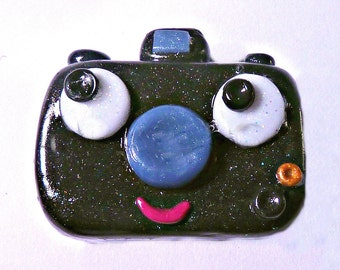 Camera badge, Camera pin, Camera brooch, Camera, Kawaii Badge, badge, pin, brooch, Kawaii, Polymer clay