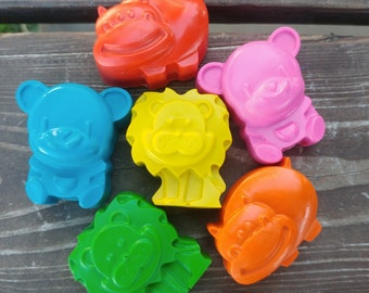 Zoo Animal Crayons set of 24 - Lion Crayons - Hippo Crayons - Bear Crayons - Zoo Party Favors - Kids Gifts - Gifts For Kids - Class Favors