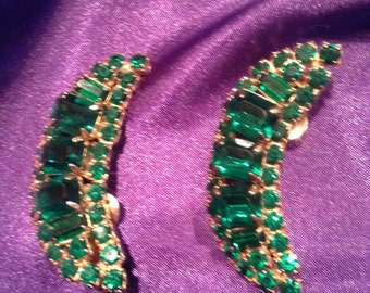 Vintage Green Glass Crescent Earrings