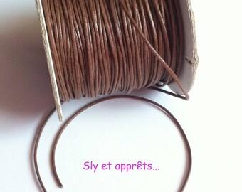 5 meters of Brown waxed thread 1 mm