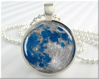 Blue Moon Pendant, Oceans On Moon, Resin Pendant, Blue Accessory, Full Moon Necklace, Round Silver, Space Gift 318RS
