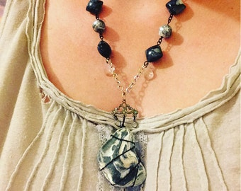 Black and White Shell Necklace