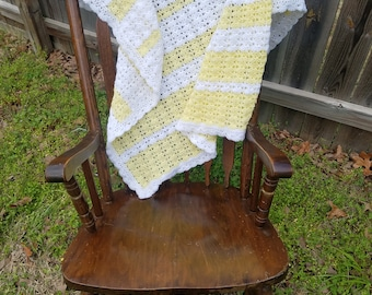 Yellow & White Baby Blanket (crochet)