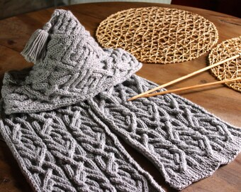 LAMYA hood scarf