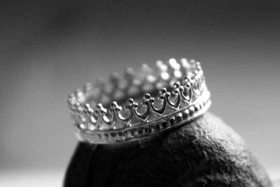 SALE Queens Crown Ornate Sterling Silver Ring