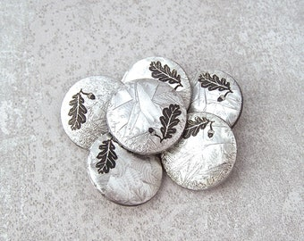 Season's Greetings Buttons, 20mm 3/4 inch - Silvered Winter Frost, Oak Leaf & Acorn Buttons - 6 Silver-Tone Winter Wonderland Buttons PL715