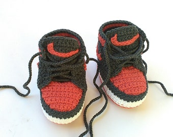 Crochet baby Nike booty, Nike Air Jordan baby shoes, Crochet Jordan shoes, Baby crochet booties, crochet baby shoes