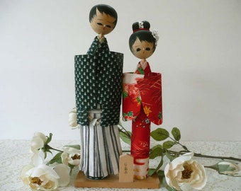 Adorable Vintage Hand Painted Japanese Wedding Couple Kokeshi Peg Dolls