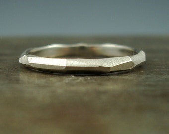 Chiseled Ring - Faceted Band - 950 palladium, 14K white gold or platinum - 2mm wide