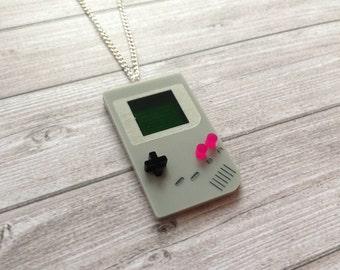 Game Boy necklace - Gameboy, Nintendo, video games, retro, old school, geek, pokemon, pokémon, mario, acrylic, lasercut