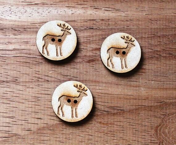 3 Craft Wood Elk Woodland.Round Buttons, 3 cm Wide, Laser Cut Wood