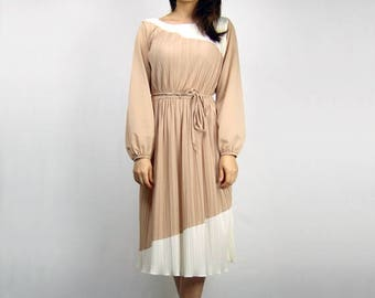 Long Sleeve Dress Vintage Womens Clothing 1970s Fall Fashion 70s White Beige Dress - Small S