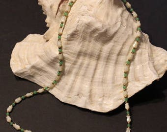 Mother of Pearl Carved Tulip Flower Beads Vintage Necklace