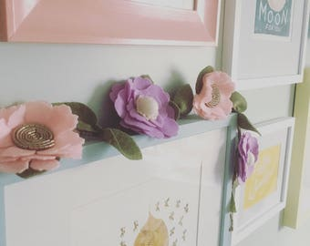 Felt Flower Garland, wool felt, floral garland, nursery decor, kids' room decor, bedroom decor, wedding accessories