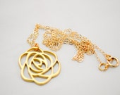 Gold Rose Pendant Necklac...