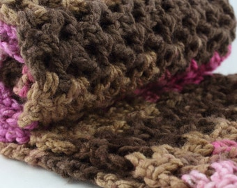 Oversized Infinity Scarf, Winter Look, Brown & Pink Chunky Scarf, Multicolor Warm Winter Fashion, Crochet Gift for Her, Gift for Mom, Snood