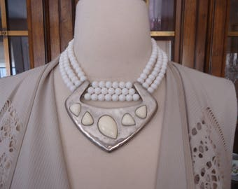 Vintage 3-Strand Statement White Bead Necklace w/ Silver Tone Hammered Metal and Off-White Stone Accent Pendant