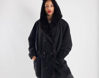 Vintage ladies parka with fur collar / Black parka / Vintage eskimo parka / Ladies winter coat / Vintage winter coat / Size XL
