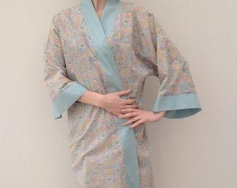 Beautiful 1920s kimono dressing gown with Art Deco print vintage antique