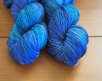 Undertow Blue Turquoise Purple Hand Dyed Yarn // USA Domestic Merino Fingering Weight Yarn // Superwash Sock Yarn