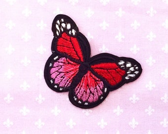 On closer Butterfly red/pink