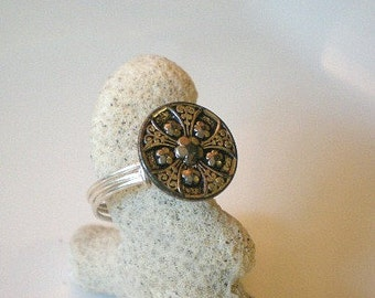 Silver Vintage Button Ring, Silver Five Flowers Ring, Flower Button Ring, Silver Filigree Ring, Sterling Silver Wrapped Ring