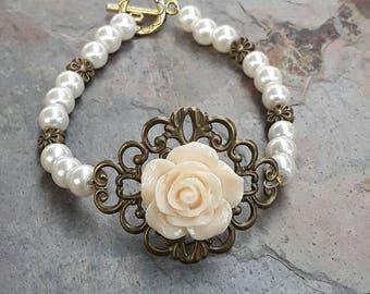 Cream Pearl Bracelet, Pearl Bracelet, Pearl Jewelry, Wedding Bracelet, Bridesmaid Bracelet, Gift for her, Australian Made, Bridal Bracelet