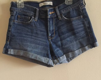 Women's Medium Wash Denim Shorts
