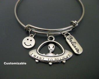 UFO Bracelet / UFO Bangle / Alien Bracelet / Alien Bangle / I Want to Believe Bracelet / Space Bangle / Adjustable Charm Bangle /