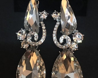 Fabulous Clear Rhinestone Dangle Statement Bridal Earrings...Wedding / Bride / Pageant / Prom / Homecoming