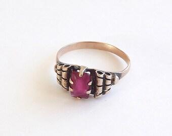 Ruby Ring Old English Set