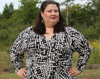 Plus Size Black Dress, Circle Skirt Women's White and Black Knit Plus Size Dress, Black Dress, Knit Stretchy Dress, Plus Size Dress