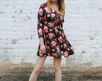 Floral 90's mini Dress, babydoll dress, Retro Mini dress, 90s mini dress, 90s skater dress, floral skater dress, Black skater dress