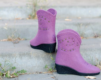 Cowboy boots Western style   Boots Western Fashion Cowboy shoes Women dusty rose   Cowgirl Boots   Eco-friendly handmade felt boots
