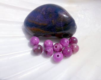 Sugilite (color) 4mm round pearls