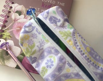 FREE SHIPPING, Makeup bag, Penicl case, Zipper pouch, handmade, Sewn, Organizer, Boxy bag