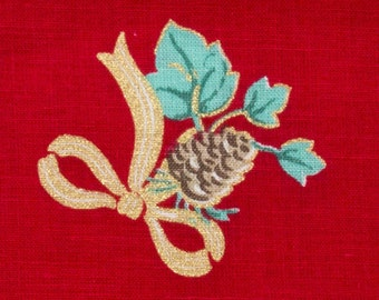 Christmas Fabric 1 Fat quarter Red background Retro, Bouquets of pinecones and leaves tied with gold ribbon