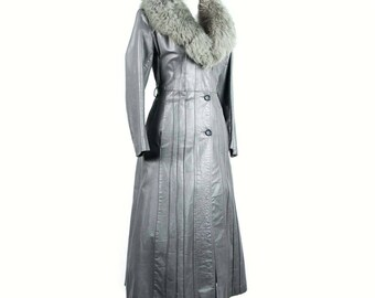 Vintage Silver Leather Spy Coat With Fur Collar