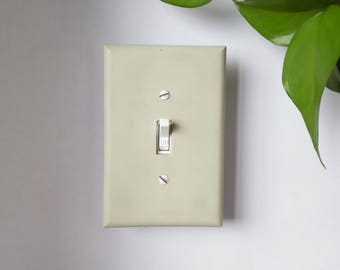 Concrete switch plate cover, cement switch plate cover, light switch cover, single toggle switch plate, single switch cover, modern decor