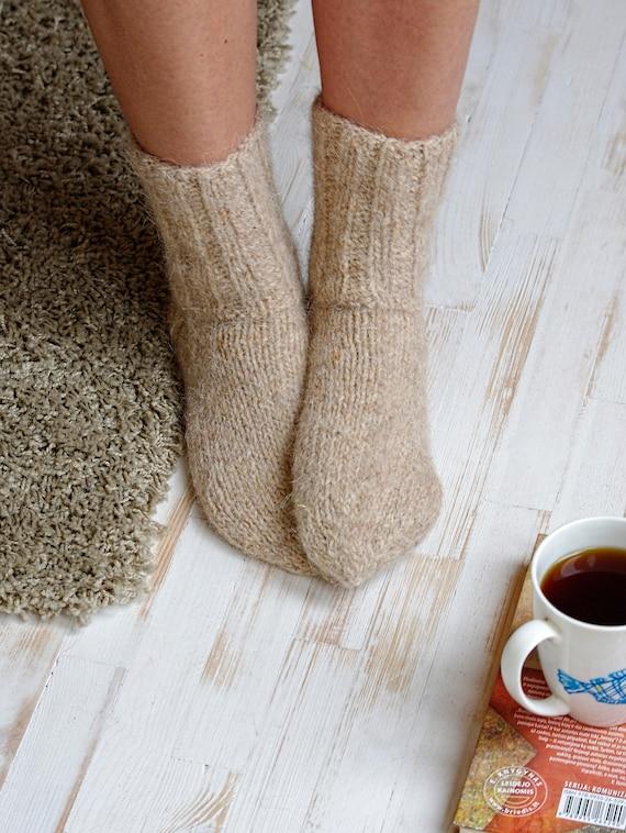tricot chaussettes femmes laine beige chaussettes fil main en. Black Bedroom Furniture Sets. Home Design Ideas