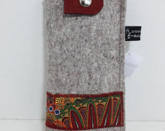 glasses case, felt wool gray flap with snap, unique piece.