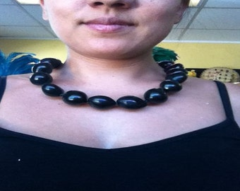 Kukui nut choker necklace