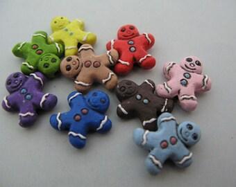 20 Tiny Ceramic Beads - Gingerbread Men - mixed - CB507