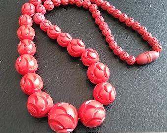 Vintage, Cinnabar Like Necklace. Used. Lot S